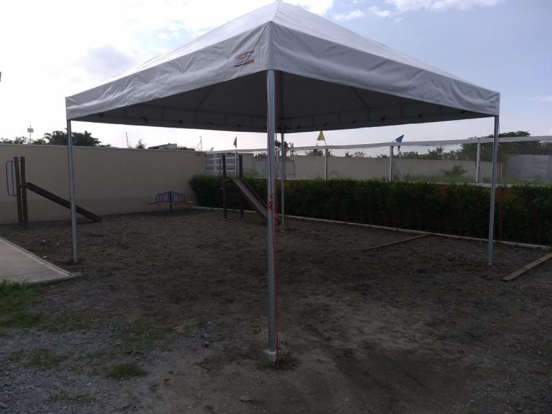Tenda Piramidal de Bico Tenda Cristal